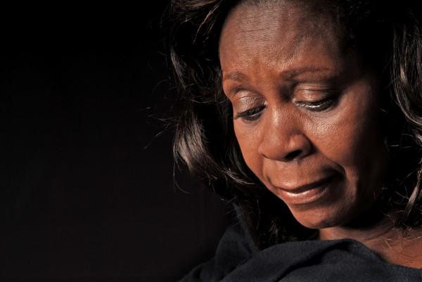 Aby uniknąć zatokowego bólu głowy, najlepiej unikać czynników, które go wywołują