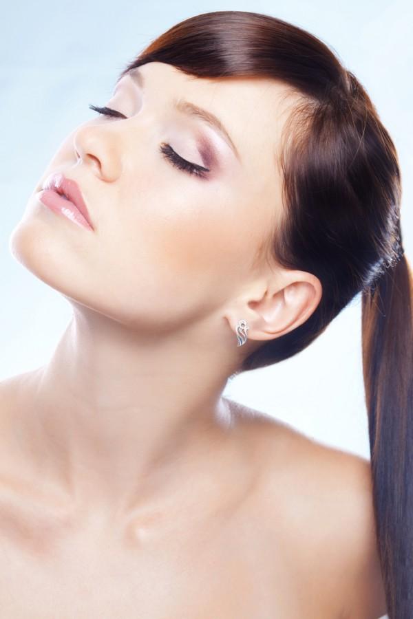 Podczas suszenia można używać suszarki z dyfuzorem, ale równie dobrze można też pozostawić włosy, aby same wyschły.